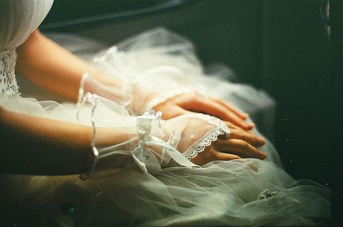 Hơn 10 năm mới mở món quà cưới đặc biệt của mẹ chồng, con dâu ôm mặt khóc nức nở - Ảnh 1