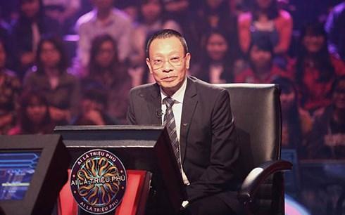 Nhà báo Lại Văn Sâm là MC Ai là triệu phú từ khi chương trình này được sản xuất tại Việt Nam
