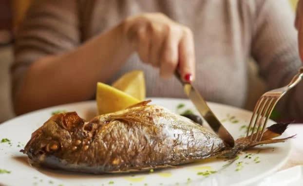 9 người tuyệt đối không được ăn cá, ai cũng phải biết để không rước độc vào người - Ảnh 2