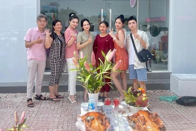 Cuộc sống của Cẩm Đan sau Hoa hậu Việt Nam, hẹn hò chồng cũ Lệ Quyên - Ảnh 9