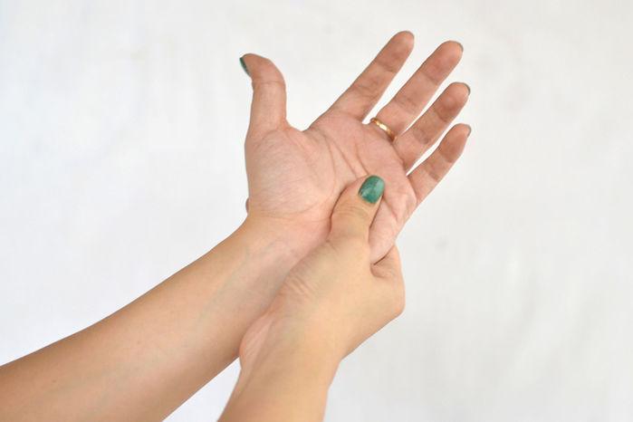 Mẹo đẩy lùi các triệu chứng, cơn đau thường gặp của cơ thể mà không cần dùng thuốc - Ảnh 8