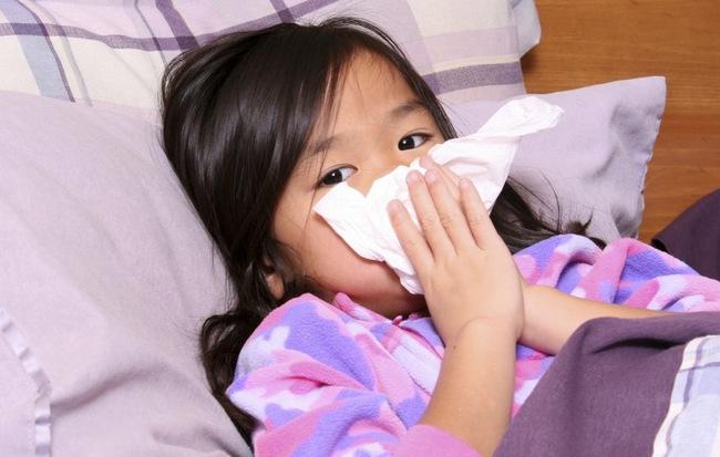 4 cách phòng tránh cảm cúm, viêm đường hô hấp cho trẻ trong mùa lạnh cha mẹ nào cũng cần biết - Ảnh 1