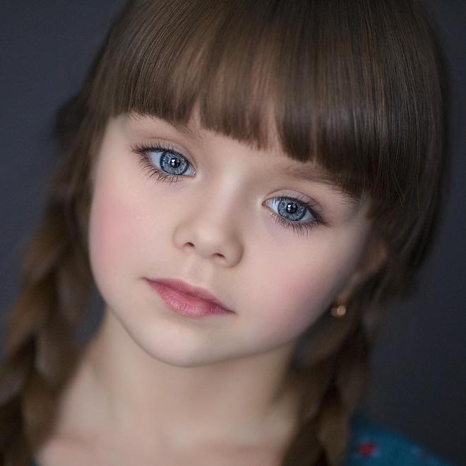 Nếu bạn thắc mắc thế nào là vẻ đẹp không góc chết, hãy ngắm cô bé được mệnh danh là thiên thần đẹp nhất thế giới này - Ảnh 10