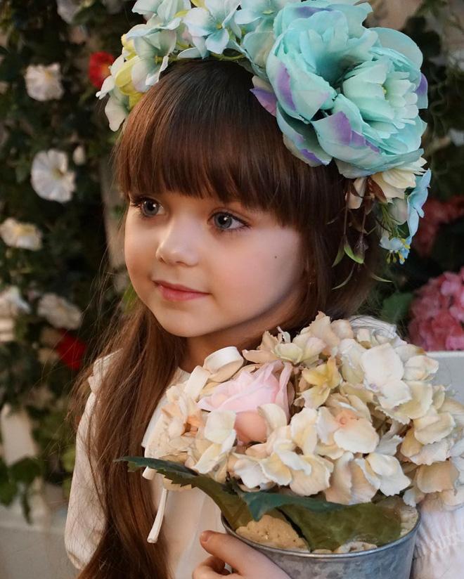 Nếu bạn thắc mắc thế nào là vẻ đẹp không góc chết, hãy ngắm cô bé được mệnh danh là thiên thần đẹp nhất thế giới này - Ảnh 4