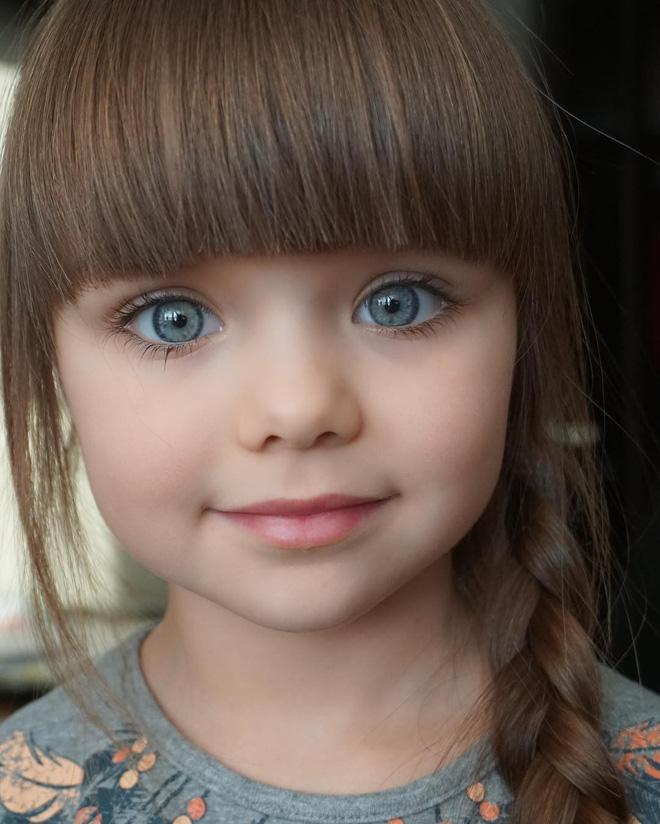 Nếu bạn thắc mắc thế nào là vẻ đẹp không góc chết, hãy ngắm cô bé được mệnh danh là thiên thần đẹp nhất thế giới này - Ảnh 5