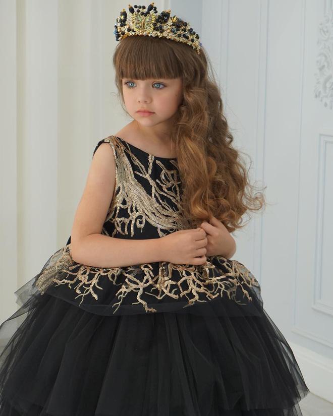 Nếu bạn thắc mắc thế nào là vẻ đẹp không góc chết, hãy ngắm cô bé được mệnh danh là thiên thần đẹp nhất thế giới này - Ảnh 6