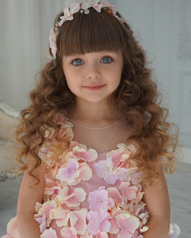 Nếu bạn thắc mắc thế nào là vẻ đẹp không góc chết, hãy ngắm cô bé được mệnh danh là thiên thần đẹp nhất thế giới này - Ảnh 7