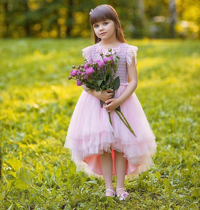 Nếu bạn thắc mắc thế nào là vẻ đẹp không góc chết, hãy ngắm cô bé được mệnh danh là thiên thần đẹp nhất thế giới này - Ảnh 8