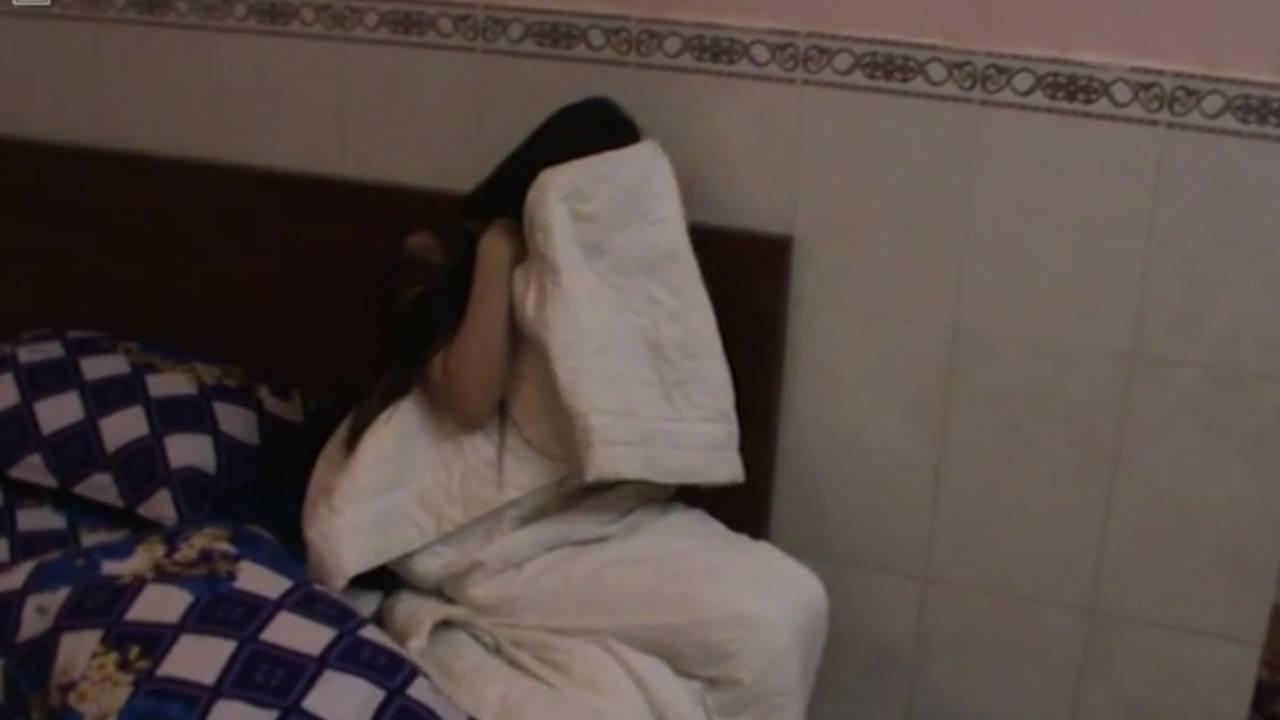 Đột kích nhà hàng ở Sài Gòn bắt quả tang 3 cặp nam nữ đang mua bán dâm - Ảnh 1