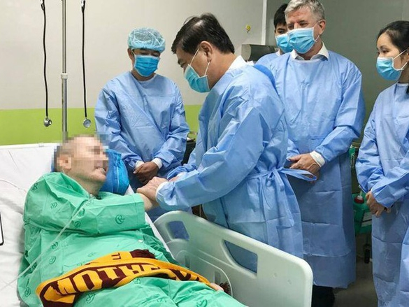 Bệnh nhân nam phi công người Anh sẽ được tổ chức tiễn ra viện ngày 11/7 để ngày 12/7 trở về Anh