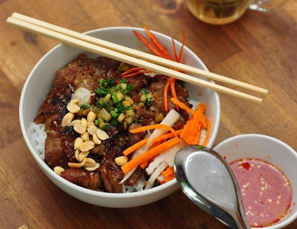 Bún thịt nướng ngon với cách làm đơn giản thịt thơm ngon
