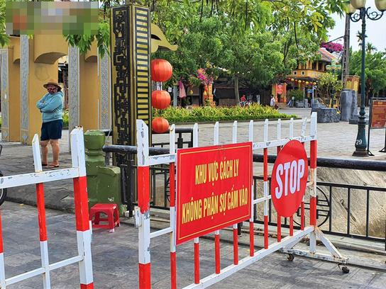 Cách ly 23 thí sinh thi tốt nghiệp THPT chung phòng với con trai của nhân viên CDC Quảng Nam