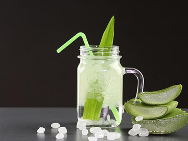 Cách nấu nước nha đam đường phèn lá dứa ngọt mát giải nhiệt ngày nắng