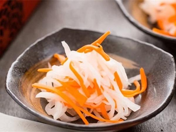 Công thức làm dưa chua cà rốt củ cải trắng giòn ngon bất bại