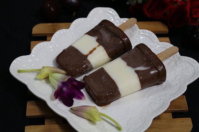 3 bước có ngay kem chuối cacao cực đơn giản lại ngọt mát vô cùng