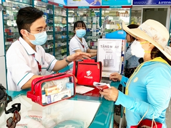 100% khách hàng mua thuốc ho, hạ sốt ở TP.HCM phải khai báo y tế