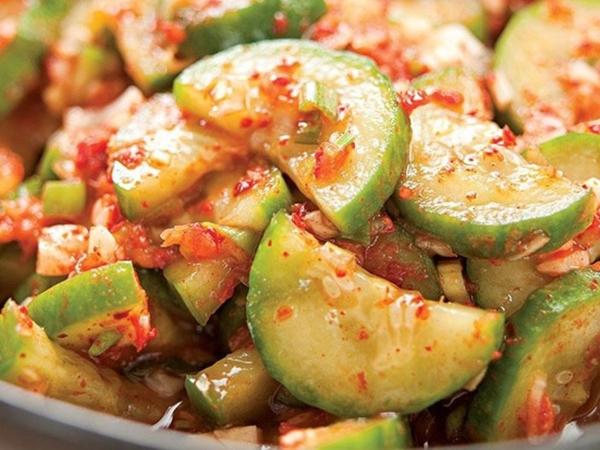 Kim chi dưa chuột: Cách làm thì cực dễ mà ăn kèm món gì cũng ngon!