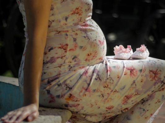 Mắc bệnh ung thư máu, sản phụ mang thai được 3 tháng thường xuyên bị cảm sốt, không giữ được thai nhi