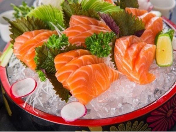 Mẹo chế biến gỏi cá hồi kiểu Nhật chuẩn vị, không tanh