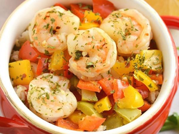 Món tôm xào ớt chuông đầy đủ dinh dưỡng đổi vị cho cả nhà