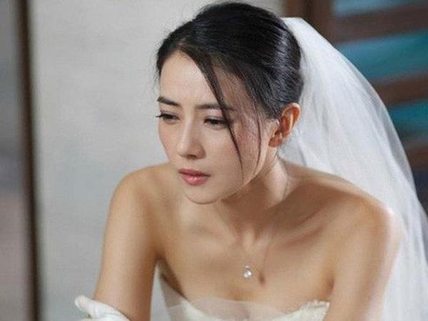Nhìn chiếc nhẫn cầu hôn cũ mèm, em giận dữ từ chối và rồi hối hận tột cùng khi biết nguyên nhân bạn trai dùng chiếc nhẫn ấy hỏi cưới mình