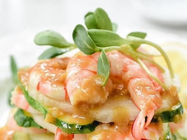Muốn giảm cân, bạn đừng bỏ qua món salad tôm ngon tuyệt này nhé!