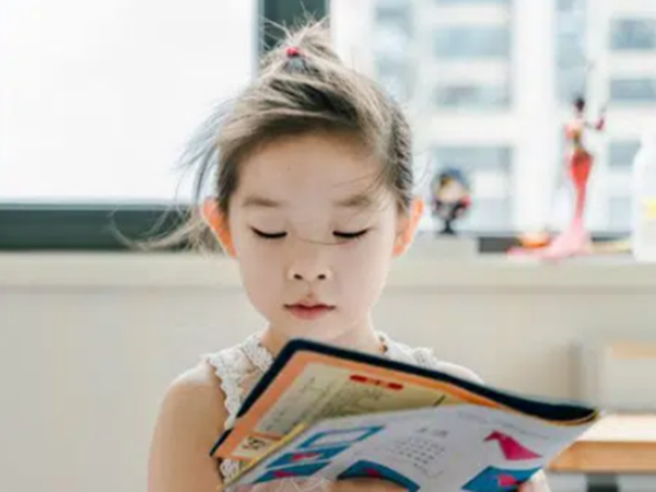 Thạc sĩ giáo dục bật mí lộ trình nuôi dạy con tự lập từ 0 cho đến 18 tuổi, phụ huynh chia sẻ ầm ầm vì quá chi tiết và hữu ích
