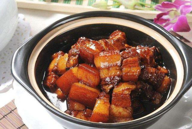 Tối nay ăn gì: Làm món thịt ba chỉ om bia thơm lừng, mềm ngon, đậm đà