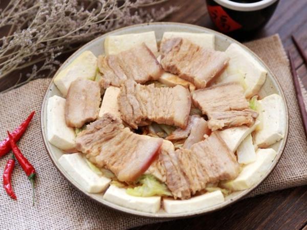 Bà ngoại tôi có món thịt hấp mềm ngọt vô đối, ai thử cũng mê tít!