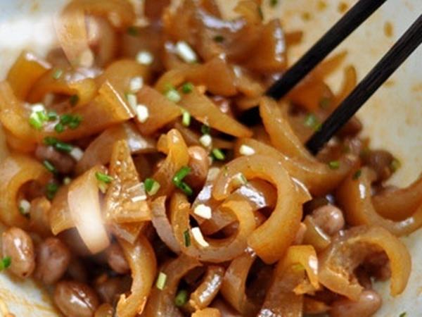 Thịt heo mua về đừng vội bỏ bì, chỉ với vài bước đơn giản bạn đã có món ăn cực ngon