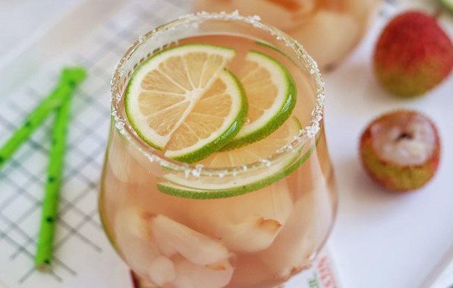 Hễ ngày nào nắng nóng là cả nhà tôi lại yêu cầu món đồ uống này, uống đến đâu là mát đến đấy!