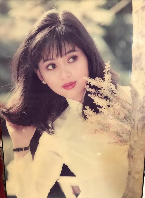 Johnathan Hanh Nguyen va vo Le Hong Thuy Tien 2