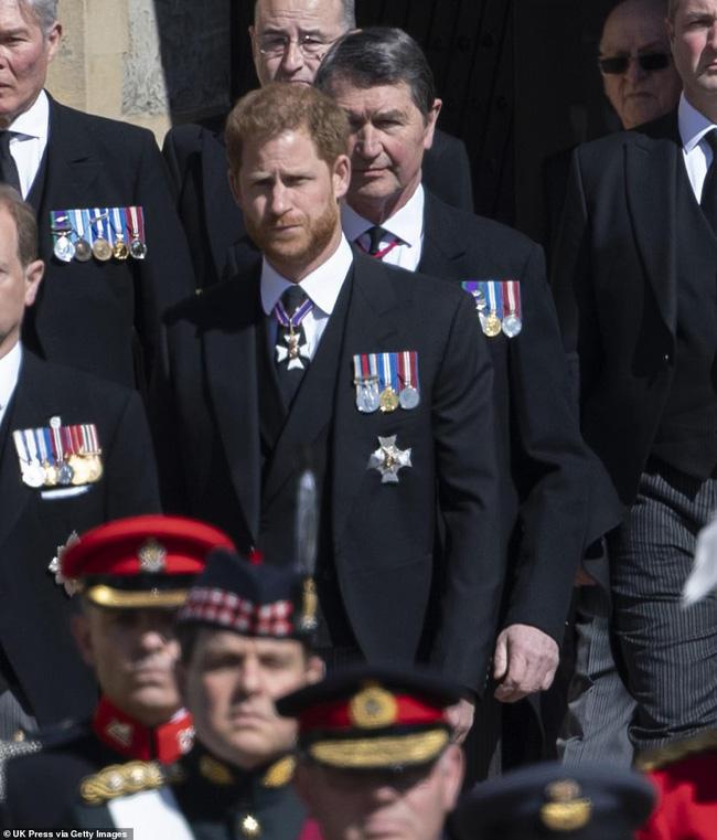 Sau tang lễ Hoàng tế Philip, dùng đủ mọi chiêu trò nhưng Meghan nhận cái kết đắng ngắt trong khi Harry bị đổ lỗi nhiều nhất - Ảnh 1