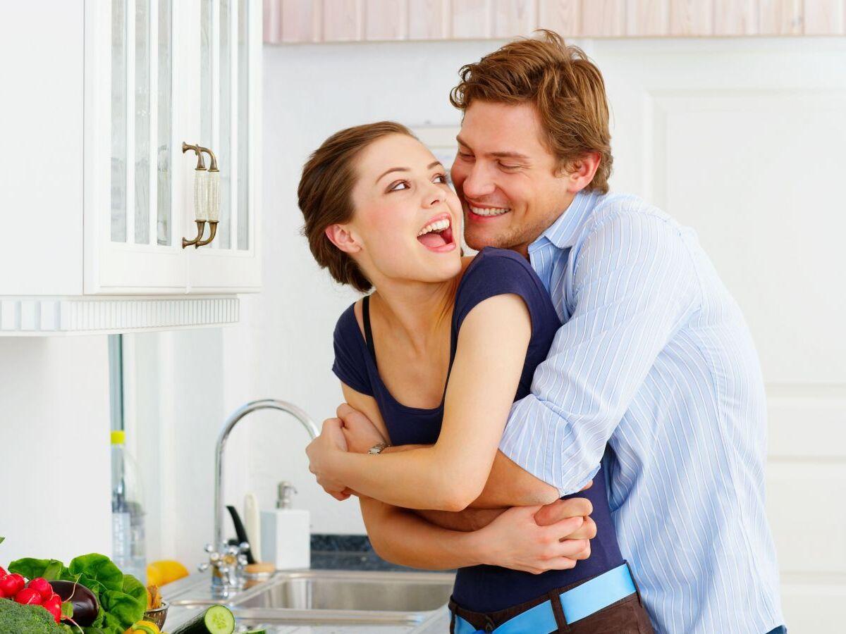 3 việc của chồng vào sáng sớm quyết định diện mạo của vợ 'đầu xù tóc rối' hay 'đủng đỉnh' trang điểm, thoa son