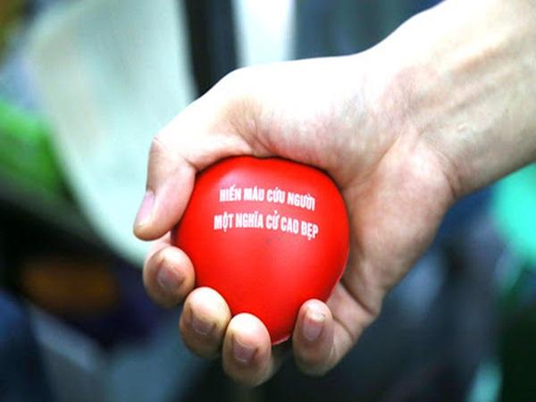 Ảnh hưởng bởi dịch virus Corona: Bác sĩ bệnh viện Việt Đức kêu gọi hiến máu, kho dự trữ nhóm máu O chỉ đủ dùng 1 ngày, các bệnh viện trên cả nước thiếu máu trầm trọng