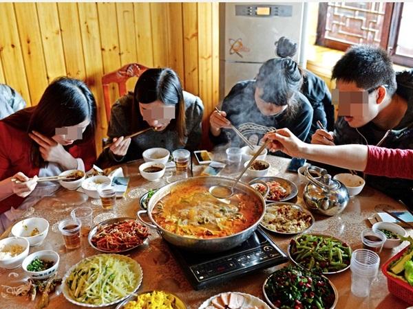 Báo động 5 thói quen xấu trong bữa ăn khiến người Việt chết sớm