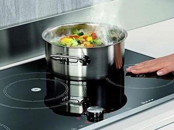 Sự thật việc sử dụng bếp từ dễ gây ung thư