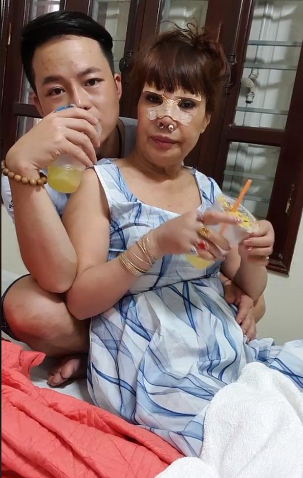 Bị tố lạnh nhạt với người vợ 62 tuổi, anh chồng Hoa Cương lên tiếng xác thực về tin đồn - Ảnh 2
