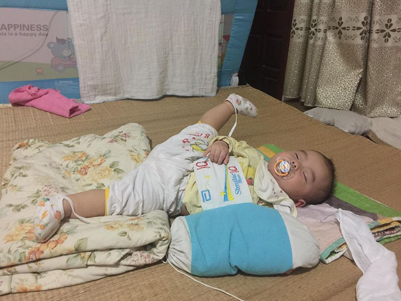 Bức ảnh dáng ngủ có '1-0-2' của nhóc tì gây bão mạng, hội cha mẹ bỉm sữa thi nhau khoe con