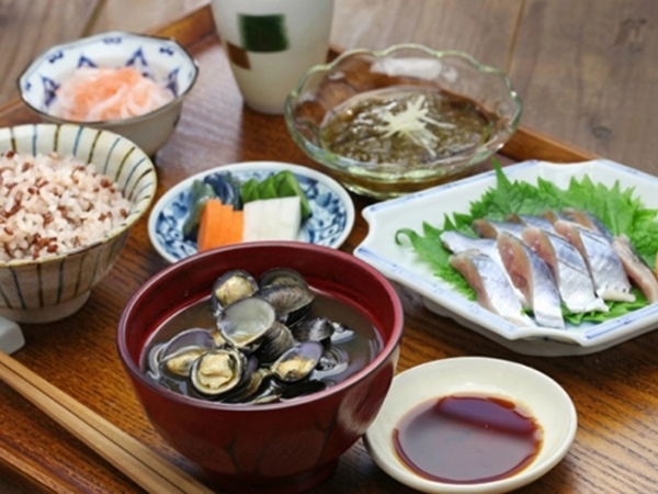 5 nguyên tắc ăn uống giúp sống thọ và trẻ lâu của người Nhật