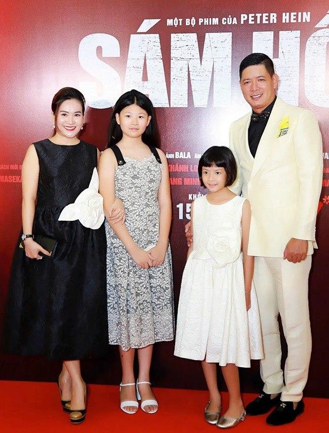 Ngắm diện mạo 2 con gái Bình Minh: Bé lớn chân dài vượt mẹ, con gái út giống ba như đúc - Ảnh 2