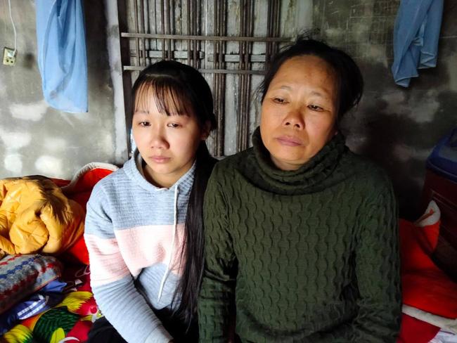 Nước mắt nữ sinh học giỏi không có cha, một mình chăm mẹ mắc bệnh hiểm nghèo 'Nếu mẹ có mệnh hệ gì em biết làm sao đây!' - Ảnh 4