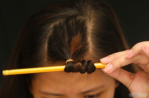 Ngày Tết xinh lung linh, không sợ  nhàm chán nhờ các cách uốn tóc tại nhà đẹp chuẩn salon này - Ảnh 3