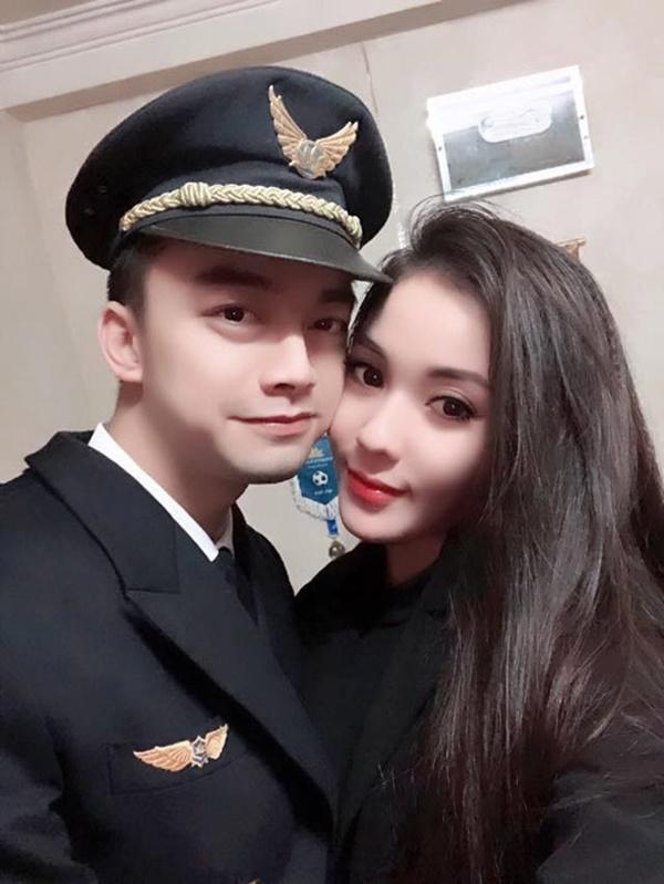 2 năm sau khi chia tay Âu Hà My, Hà Duy từ anh chàng tiều tụy xuống sắc nay ngày càng điển trai, đặc biệt còn vừa thăng chức tại Vietnam Airlines - Ảnh 2