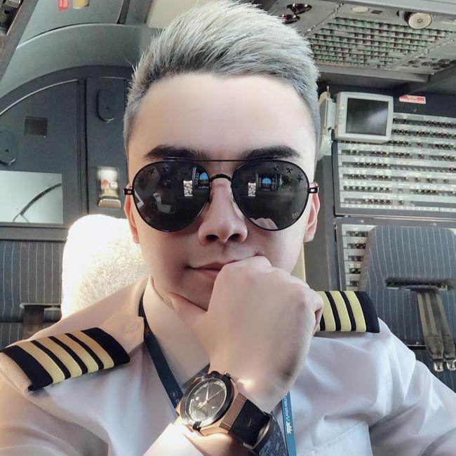 2 năm sau khi chia tay Âu Hà My, Hà Duy từ anh chàng tiều tụy xuống sắc nay ngày càng điển trai, đặc biệt còn vừa thăng chức tại Vietnam Airlines - Ảnh 7