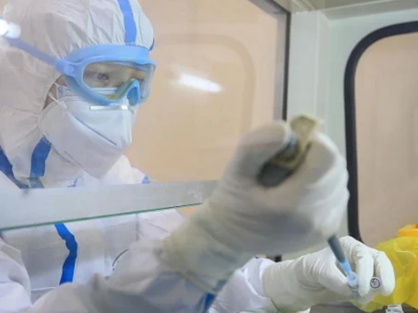 Việt Nam đã đăng ký mua vắc-xin COVID-19 của Nga và Anh - Ảnh 1