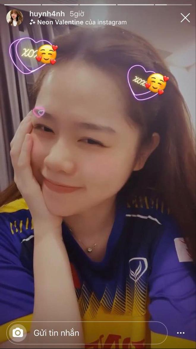Bạn gái Quang Hải tự tin khoe body sexy, vòng eo thon gọn - Ảnh 2
