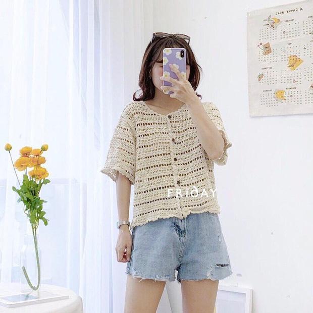Kiểu áo bạn nên sắm trước tiên thu này chính là cardigan len móc, diện lên xinh chuẩn Hàn Quốc - Ảnh 4