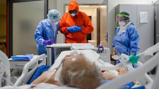 Người cao tuổi dễ bị nặng và tử vong khi mắc COVID-19, làm thế nào để phòng bệnh? - Ảnh 1
