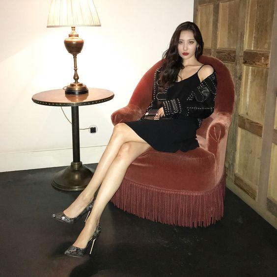 Những nữ idol Kpop sở hữu body chuẩn từng milimet, đôi chân dài đáng giá ngàn vàng khiến fan mê mệt  - Ảnh 1